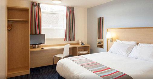 camera matrimoniale dell'Hotel Travelodge London Kings Cross Royal Scot a Londra