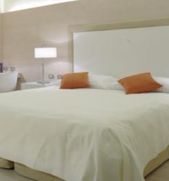H tels italie offres en italie au meilleur prix for Hotel design 4 viale masini bologna